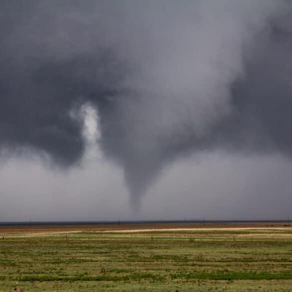 Tornado near Alden Oklahoma on November 7, 2011 Tornado Outbreak in Oklahoma