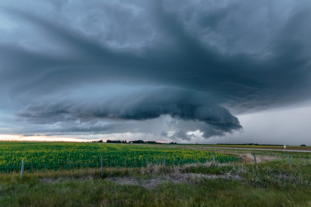 Canadian Supercell gusting out