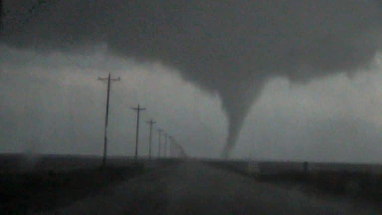 Tornado near Eva, Oklahoma on April 15, 2016