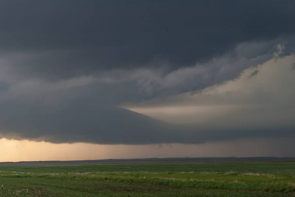 Inflow tail into the storm