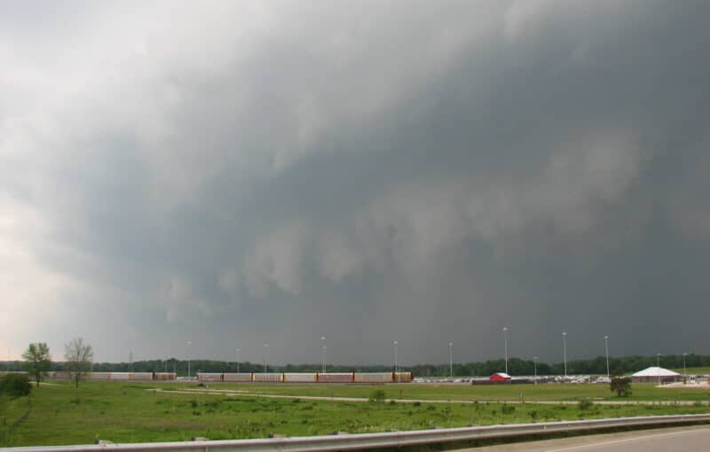 A shelf cloud approaches Lansing, Michigan on June 8, 2008. This storm dropped an EF-1 tornado