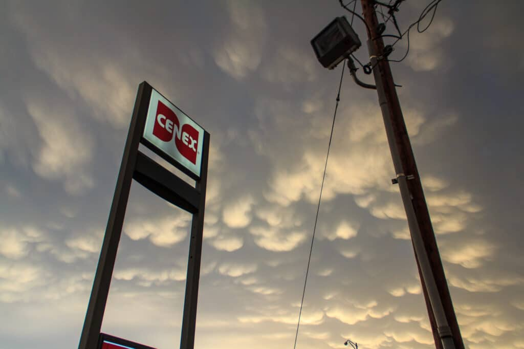 Mammatus over Cenex sign