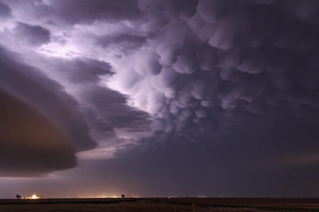 Shelf Cloud and Mammatus in Oklahoma