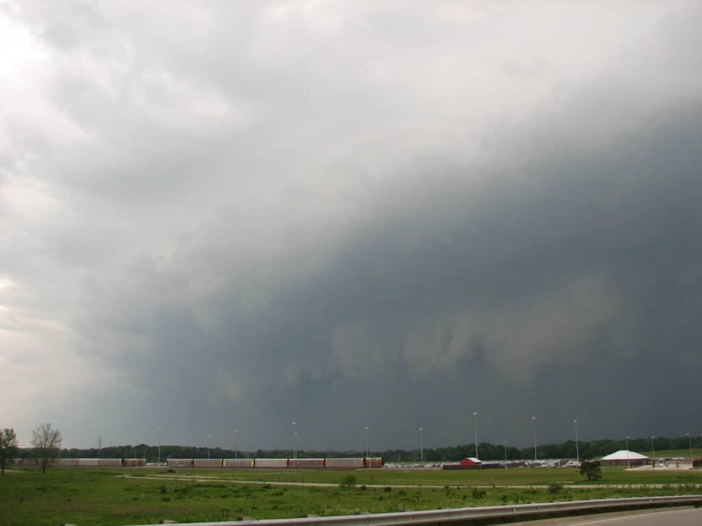 Shelf Cloud in Lansing