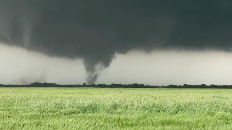 Tornado near Wakita, Oklahoma from May 10, 2010